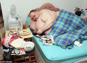 After begging for help..Britain's fattest man dies at 331
